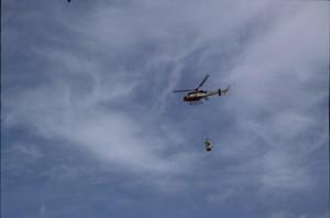 2005, héliportage à la cabane du Croui (Péone)
