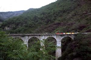 2006, à la sortie des gorges de Daluis, sur le Pont de la Mariée