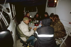 2009, toute l'équipe à la halte pour la nuit à Briançonnet