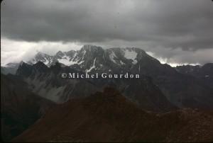 le massif du Chambeyron vu du Col Girardin, 1983
