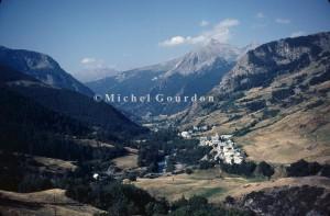 les hameaux de Petite et Grande Sérenne vus de la route de Fouillouse, 1983