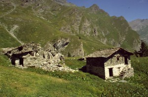la descente vers Chianale et la vallée de la Varaita