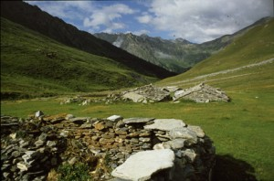la descente du vallon de Soustra vers Chianale