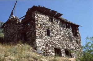 Auvare, hameau de l'Ilions