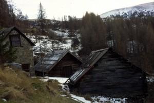 Beuil, granges à Mantelé