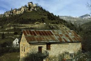 Beuil, maison et grange à St-Génié