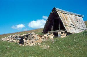Pierlas cabane vieille de Giarons 1995 AH