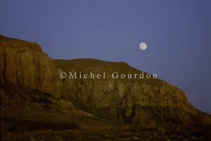 la lune se lève sur les Arpès 1992, 4B-105